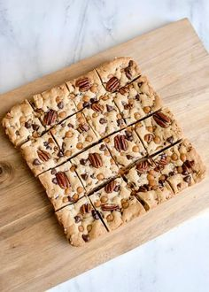 These scrumptious caramel pecan cookie bars are a new twist on a classic favorite. Caramel and pecans combine to create a delicious treat! Pecan Cookies, Oatmeal Cookies, Bar Cookies, Caramel Pecan, Semi Sweet Chocolate Chips, Fall Recipes, Pecan Recipes, Top Recipes, Yummy Recipes