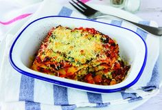 A family favourite with a healthy twist – a stack of hidden veggies! The whole family will love this comforting chicken and vegetable lasagne. Chicken Lasagne, Vegetable Lasagne, Healthy Mummy Recipes, Easy Dinner Recipes, Healthy Dinners, Easy Meals, Lasagne Recipes, Chicken Recipes, Healthy Chicken