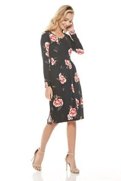 """Floral, fit and flare dress with pockets Sizing: S: 0-2 / M: 4-6 / L: 8-10 Length: S: 40"""" / M: 41"""" / L: 42"""" 95% Polyester / 5% Spandex"""