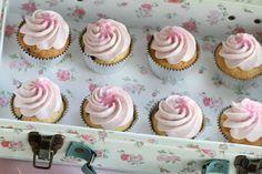 Sweet Cupcakes vaniglia e glassa alla vaniglia lampone crema di formaggio