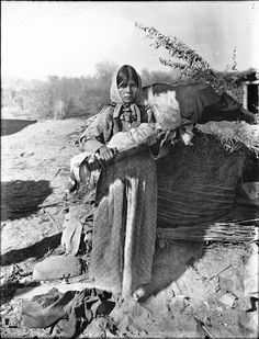 Chemehuevi mother and child - circa 1900