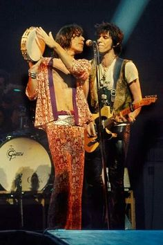 """""""One of the great things about songwrighting; it's not an intellectual experience."""" ― Keith Richards"""