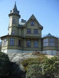 Bildresultat för hus med torn