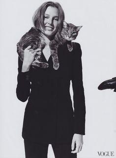 Bridget Hall Photographed by Arthur Elgort, Vogue, August 2000 Photography Women, Animal Photography, Portrait Photography, Fashion Photography, Mirror Photography, Arthur Elgort, Vogue Photo, Vogue Us, Maurice Careme