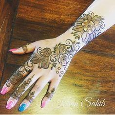 Mehndi Art, Henna Mehndi, Henna Art, Mehendi, Pakistani Henna Designs, Menhdi Design, Henna Style, White Henna, Hand Images