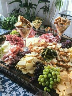 I want to be wherever this antipasto spread is! article is about mistakes when making a cheese plate. This fabulous spread avoids all of the Common Mistakes of a Cheese Plate! Party Platters, Food Platters, Party Food Trays, Snacks Für Party, Appetizers For Party, Appetizer Recipes, Fruit Party, Fruit Appetizers, Appetizer Ideas
