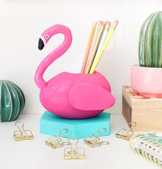 DIY Pink Flamingo Pool Float Pencil Cup
