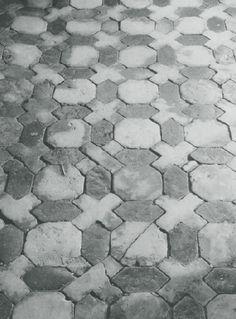 16e eeuwse tegelvloer   nog nakijken of dit in dubbelhardegbakken tegels kan