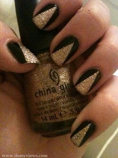 Saints black & gold nail art