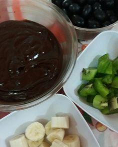 Frutas com Ganache de Chocolate