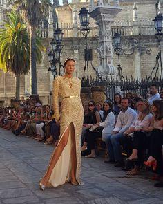 Maravillosa @merssedificasion con vestido de paillettes de @ivancampana #SIQ2016 #tdsmoda #modanupcial #igerssevilla