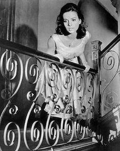 West Side Story - 1961 (Natalie Wood) ~~~~ Very sad movie with beautiful music West Side Story Movie, West Side Story 1961, Sad Movies, Great Movies, I Movie, Ann Margret, Natalie Wood, Claudia Cardinale, My Fair Lady