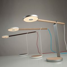 Lampe pour bureau. Simple and elegant.