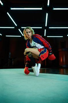 Two mega brands PUMA and Balmain join forces for a limited-edition collaboration. Model Cara Delevingne and Balmain creative director Olivier Rousteing helped… Fashion Mode, Fashion News, High Fashion, Fashion Show, Arty Fashion, Fashion Images, Cara Delevingne, Puma, Balmain