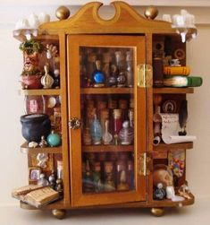 VERY PIC HEAVY - MISCELLANEOUS TOPICS - hey everybody! for the back to hogwarts swap, i made a potions cabinet for my partner pinkleo! Harry Potter Potions, Potion Bottle, Witch House, Mini Things, Kitchen Witch, Book Of Shadows, Small World, Dollhouse Miniatures, Haunted Dollhouse