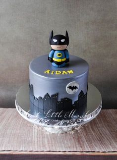 We celebrated my youngest son's 4th birthday this past weekend. He loves Batman, so I had to make him a little something special. I made Batman out of fondant.