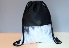 Turnbeutel - Turnbeutel,Rucksack,schwarz,Batik,handgefärbt - ein Designerstück von herden-tier bei DaWanda