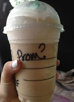 Oh my god, if my boyfriend asked me to prom like this, it would be more than enough. <33