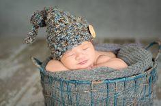 Crochet Newborn Top Knot Button Elf, Baby Boy Elf Hat, Newborn Elf Hat Photo Prop, Crochet Elf Hat Photo Prop, Baby Boy Photo Prop Hat