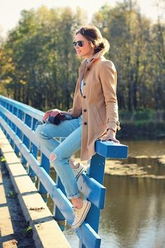 camel colored wool coat + old ripped jeans + chuck taylors + aviators = perfectly @casual #tomboy #glam!