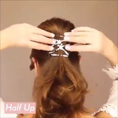 Hair magic stretch Hair magic stretch comb Create multiple hair styles in under ten seconds Lies flat against the head is comfortable for all-day wear - Curly Hair Styles, Natural Hair Styles, Hair Upstyles, Easy Hairstyles For Long Hair, Ponytail Hairstyles Tutorial, Pigtail Hairstyles, Fast Hairstyles, Hairdos, Magic Hair