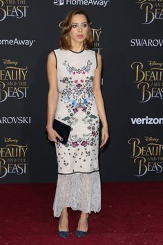 aubrey-plaza-beauty-and-the-beast-premiere-in-los-angeles-3-2-2017-4.jpg (1280×1920)