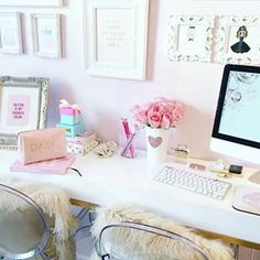 Slmissglambeauty Boutique Store – slmissglambeauty || a relatively blank desk in the room in case they have to do work or something