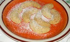 Vyzkoušejte osvědčený recept na rohlíčky s ovesnými vločkami. Vločky nahradí v cukroví ořechy či mandle. Krásně křehké cukroví zvládne na Vánoce jednoduše upéct každý.
