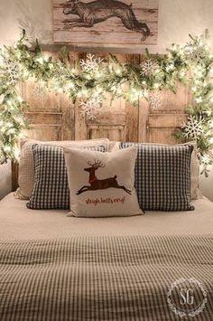 Scandi Bedroom Decor - Christmas Decor Ideas #DIYHomeDecorChristmas