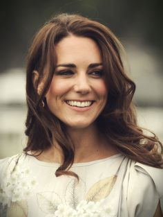 Kate Middleton. One of my favorite frocks she's worn. Her entire Canada trip was amazing.