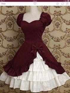 Sophisticated feminine FASHION in a Lolita dress