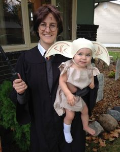 Harry Potter and Dobby Costume - Halloween Costume Contest Cute Costumes, Family Halloween Costumes, Creative Halloween Costumes, Costume Ideas, Diy Baby Costumes, Zombie Costumes, Awesome Costumes, Halloween Couples, Costumes Kids