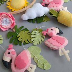 Flamingo Craft, Flamingo Nursery, Tropical Nursery, Baby Mobile Felt, Baby Mobiles, Felt Baby, Pink Mobile, Mobile Mobile, Baby Crafts