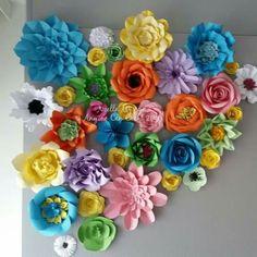 A wall garden Felt Flowers, Paper Flowers, Paper Flower Wall, Flower Crafts, Florals, Garden, Flowers, Felted Flowers, Floral