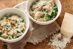 Pressure cooker chicken risotto - Use your pressure cooker to create a tasty risotto. It's the easiest, quickest way and the results are delicious. Risotto Pressure Cooker, Microwave Pressure Cooker, Pressure Cooker Chicken, Instant Pot Pressure Cooker, Using A Pressure Cooker, Tupperware Pressure Cooker Recipes, Multi Cooker Recipes, Pressure Cooking Recipes, Slow Cooker Recipes