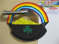paper plate rainbow / pot of gold