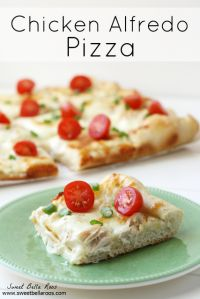Chicken Alfredo Pizza on MyRecipeMagic.com. A great dinner time meal!