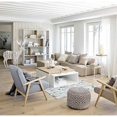 The Best 8 Beautiful Scandinavian Living Room Design Ideas To Inspire You The neat and minimalist Scandinavian living room interior design makes your tiny room feel more spacious, warm and comfortable. Scandinavian style is . Home Living Room, Living Room Designs, Living Room Decor, Scandinavian Living, Minimalist Scandinavian, Scandinavian Interior, Living Room Inspiration, Color Inspiration, Home Fashion