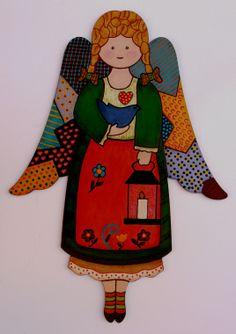 Ángel de madera realizado en nuestro taller por una alumna. Divertido?