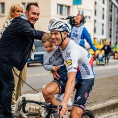 """""""Take Your Kid To Work Day"""" in the Stybar household TDF2017 ⠀  Zdenek Stybar of with his son Lewis 
