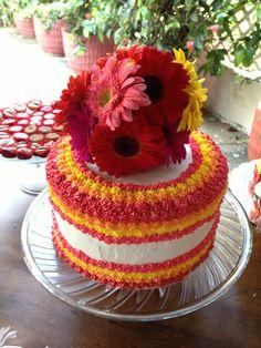 Pastel de vainilla lleno de color y sabor! Vanilla cake...full of color and favor!