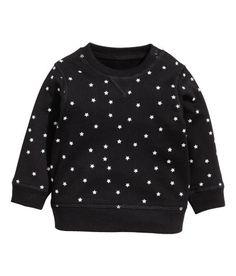 Sieh's dir an! CONSCIOUS. Sweatshirt aus weicher Bio-Baumwolle. Das Shirt hat Druckknöpfe an der einen Schulter und Bündchen an Halsausschnitt, Ärmeln und Saum. Weich angeraute Innenseite. – Unter hm.com gibt's noch viel mehr.