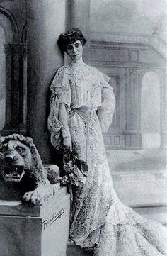 by palazzo venier dei Leoni 1911 ca bevor  Guggenheim Filiale ,-) of NY ,-)