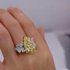 Diamond rings for women