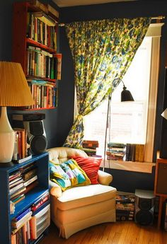 50 Amazing Decorating Ideas For Small Apartments_35 - this looks like a bookshelf was screwed into the wall
