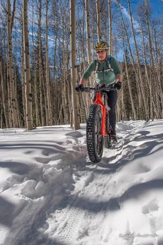 Lessons Learned: How to Have Fat Bike Fun and Avoid Fat Bike Frustration - Singletracks Mountain Bike News Fat Bike, Tricycle, Winter Cycling Gear, Mtb Trails, Cycling Outfit, Cycling Clothing, Snowboarding Outfit, Bike News, Bike Photo