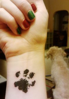 40 Amazing Dog Paw Tattoo Design Ideas | http://animals.ekstrax.com/amazing-dog-paw-tattoo-design-ideas/