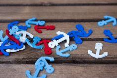 Ξύλινες Άγκυρες 50τεμ. H340-50  Ξύλινες Άγκυρες σε τέσσερα χρώματα: λευκό, γαλάζιο, μπλε και κόκκινο.Στολίσετε εύκολα και γρήγορα μπομπονιέρες, προσκλητήρια γάμου και βάπτισης, βαπτιστικές λαμπάδες, κουτιά, βιβλία ευχών, μαρτυρικά και λαδοσέτ, πασχαλινές λαμπάδες, συσκευασίες δώρων, εικαστικά κοσμήματα, και οποιαδήποτε άλλη χειροποίητη δημιουργία σας.Διάσταση μεγαλύτερης πλευράς: 2,5cmΣυσκευασία 50 τεμαχίων. Birthday Candles