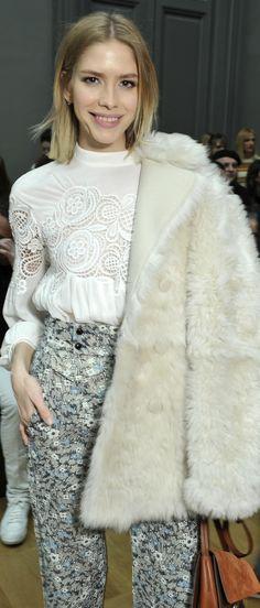 Elena Perminova arrives at the Fall-Winter 2015 runway wearing Chloé