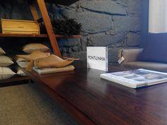 Almofadas,sofás e cortinas no #mercadoloftstore #porto #umseisum #pontilinha #almofadas #almofada #sofá #sofás #conforto #home #house #decor #decoração #cortina #cortinas #design #decorstore #sapatos #table #banqueta #escadote #prateleiras #pillow #pattern #wood #madeira #pontilinha #revista #magazine